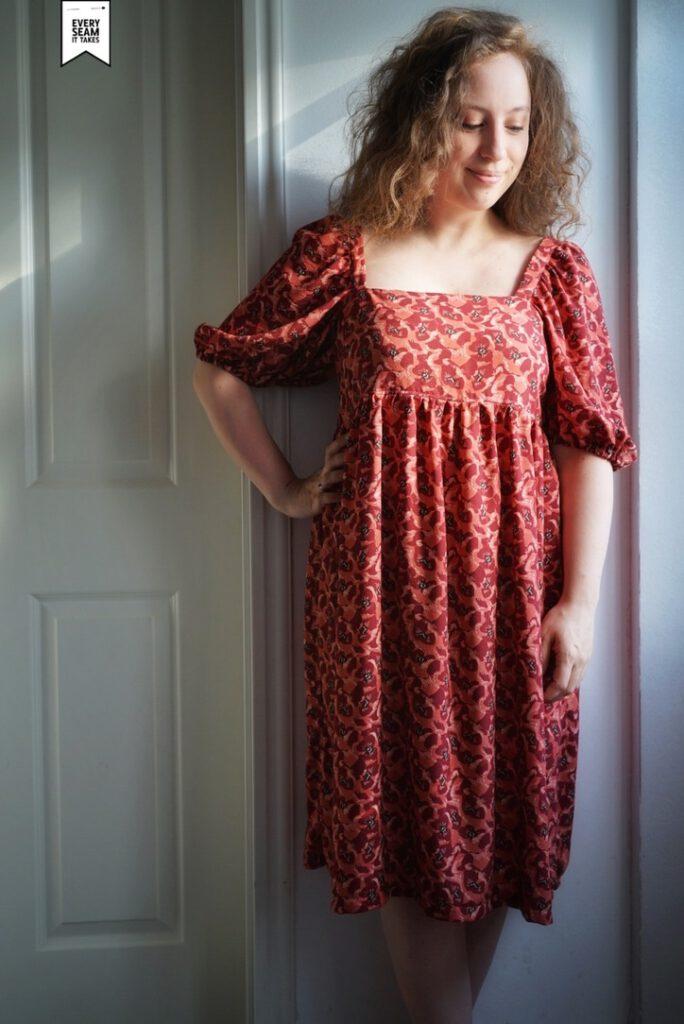 Geblümtes Kleid aus Viskose